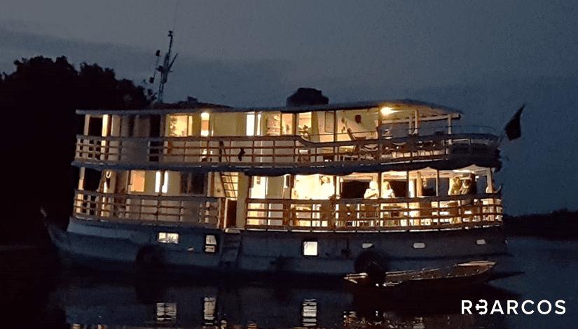 Alugar  Barco Regional de 65 Pés - Manaus - Amazonas
