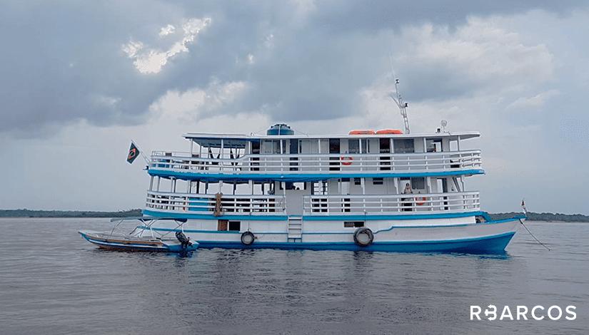 Alugar  Barco Regional de 65 Pés  Manaus Amazonas