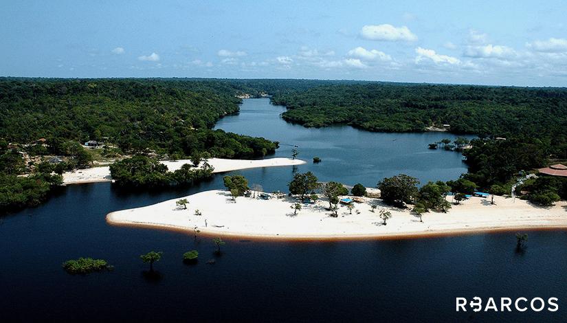 Praias do Rio Negro em Iate 85 Pés  - /
